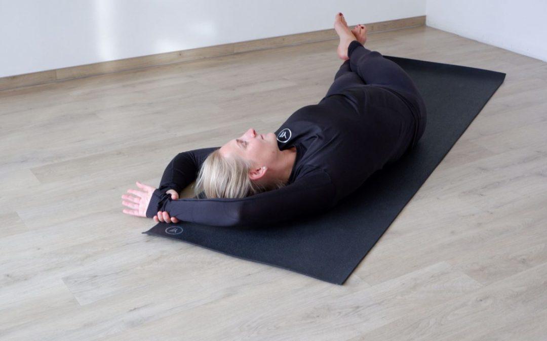 Seitneigen sind essentiell beim Yoga für den Rücken