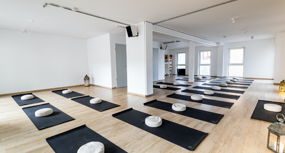 Yogaraum im Yoga Individual Studio Aachen