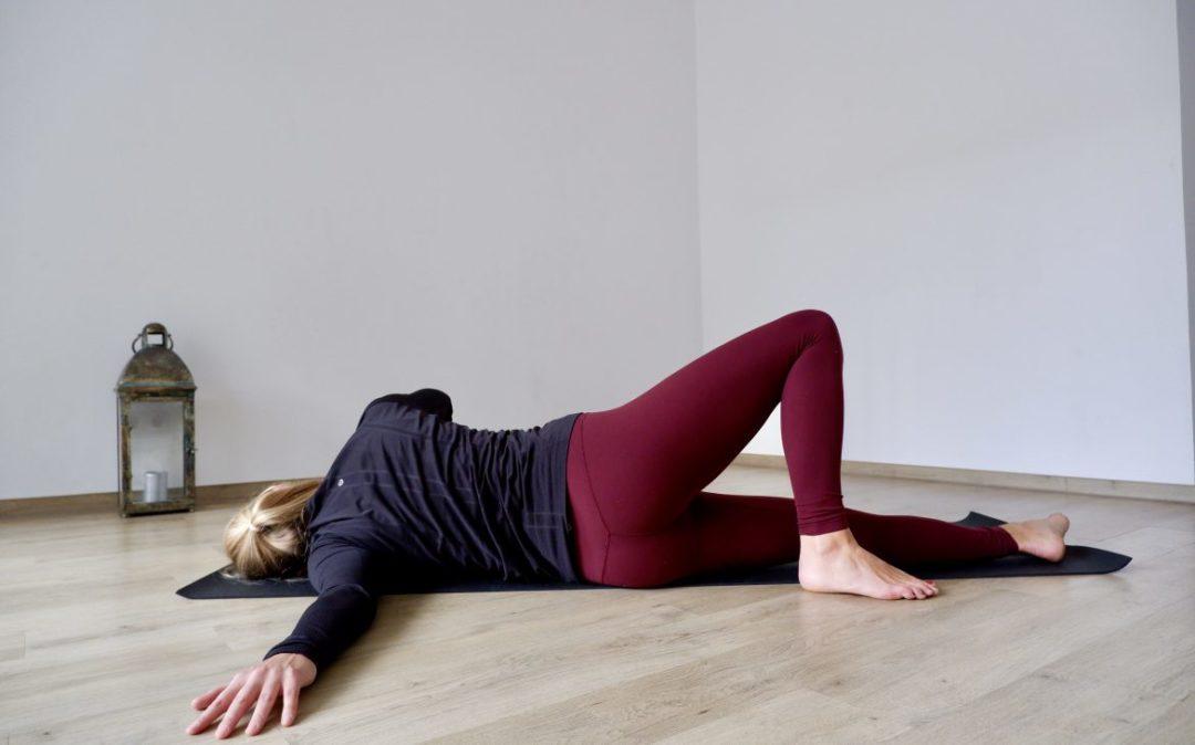 Schultern entspannen mit der Schulterdehnung