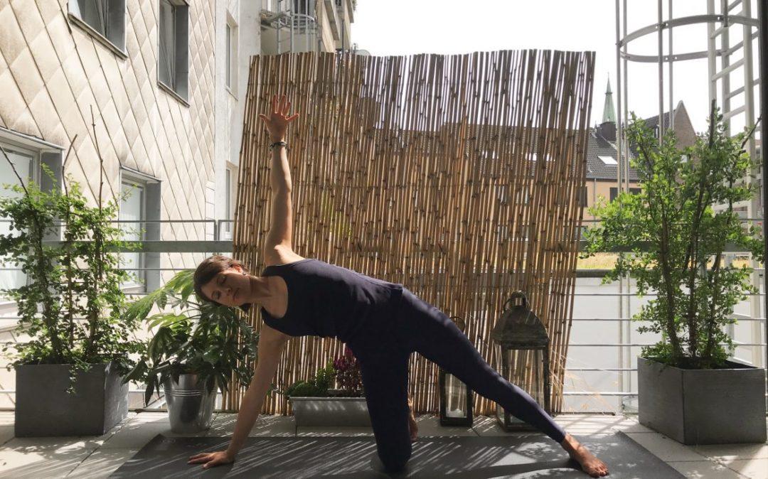Vasisthasana mit Knie am Boden