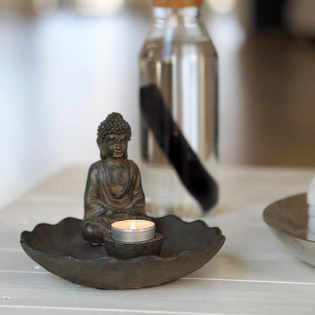 kleiner Buddha im Yogastudio