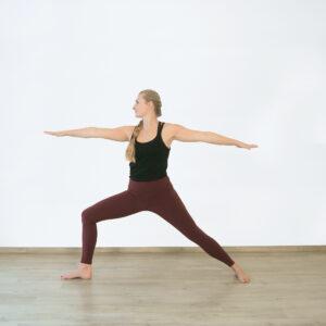 Krieger 2 im Yogaflow