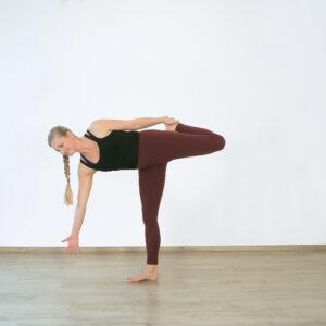Gebundener Halbond im Yogaflow