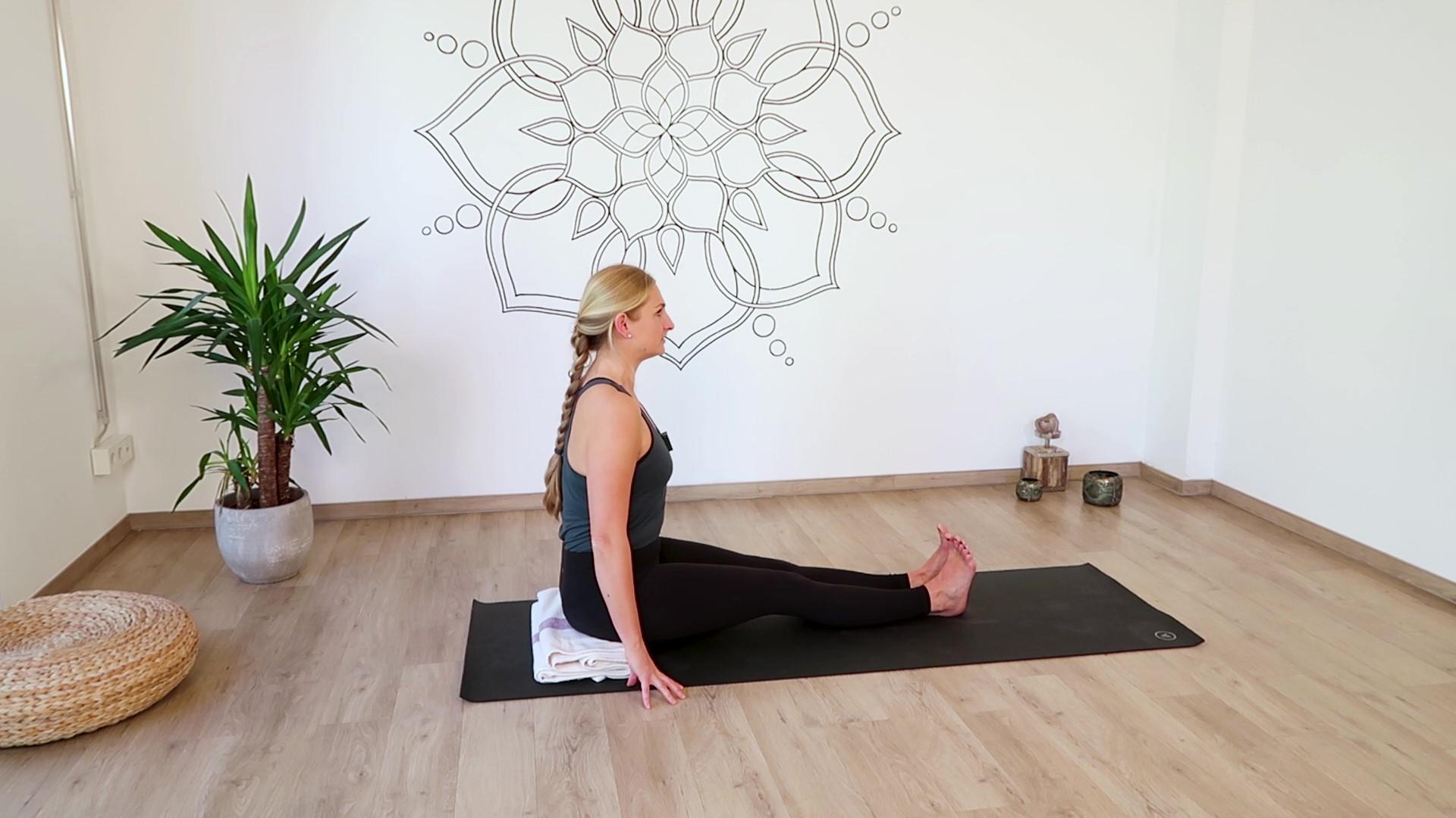 Stocksitz Ausgangspunkt Yoga Vorbeuge